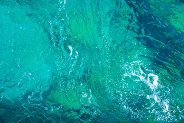 Фон голубой воды в бассейне