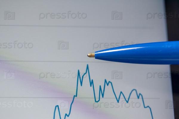 Ручка и график на экране