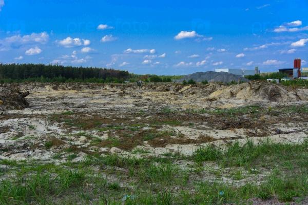 Поле незаконной добычи янтаря в Житомирской области, августа 2017 года
