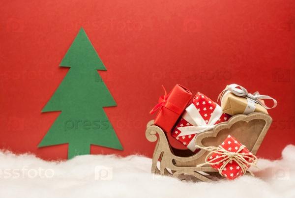 Рождественские сани с подарками