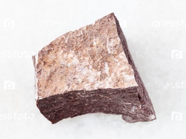 Алевролит камень на белом