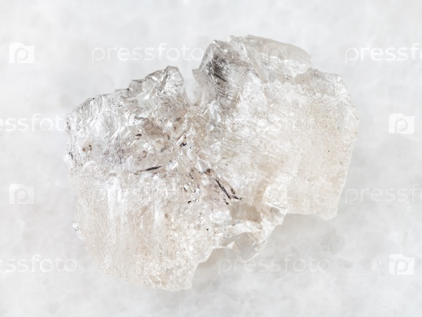 Грубый кристалл данбурита