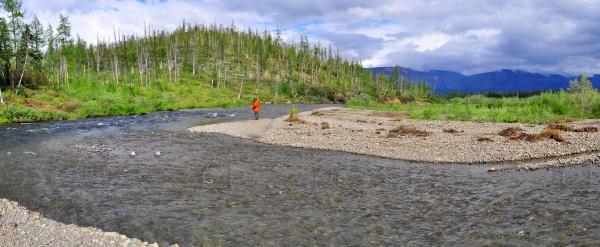 Панорама горной реки в Сибири