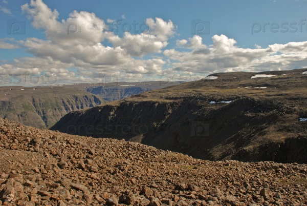 Равнины, ущелья и скалы