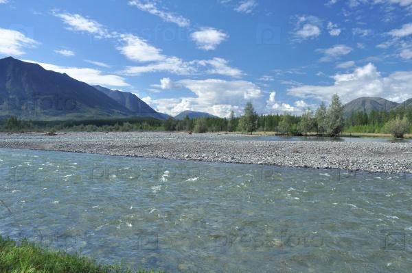 Пейзаж северной реки