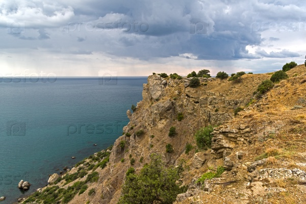 Вид с вершины горы к морю, Крым