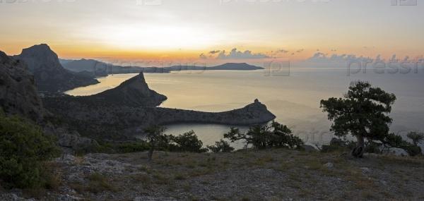 Восход на побережье Черного моря