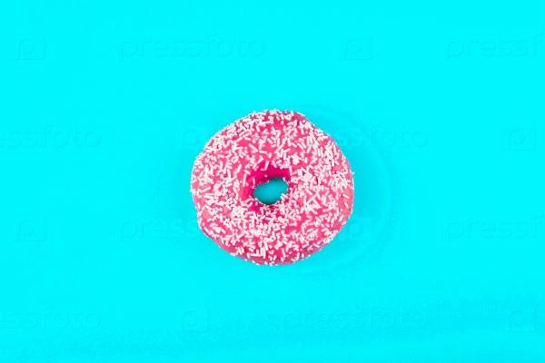 Один розовый пончик