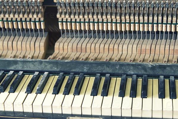 Пианино, ключи и молотки