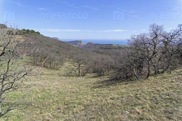 Путь, ведущий вдоль верхней части хребта. Крым