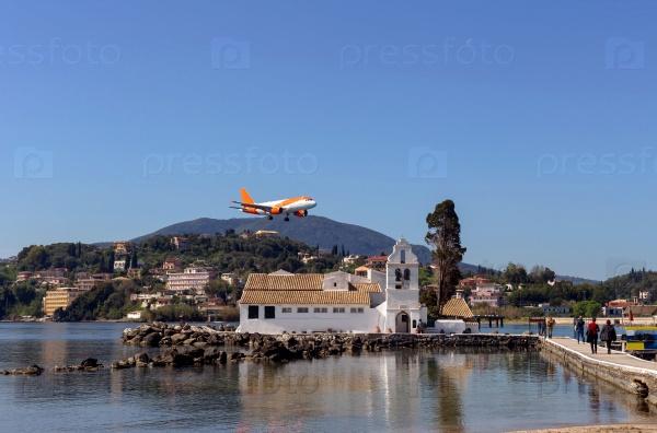 Монастырь Панагии и летающий самолет (Греция, остров Корфу)