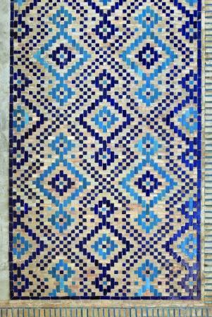 Старая восточная мозаика на стене, Узбекистан