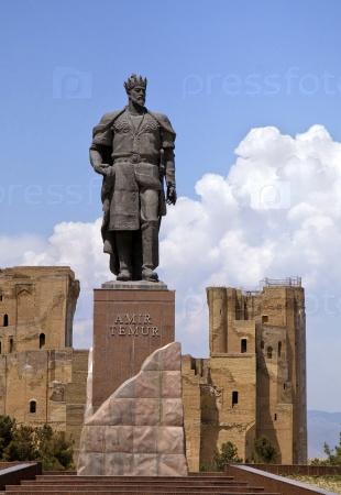 Статуя Тимура в Шахрисабз, Узбекистан