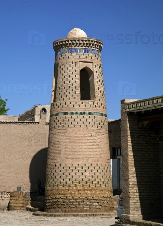 Минарет в Узбекистане