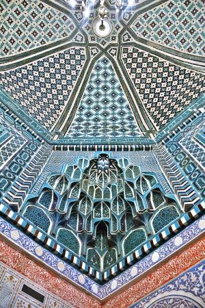 Оформленный потолок в Шах-и-Зинда, Самарканд