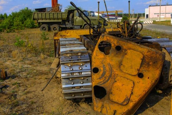 Ржавый трактор