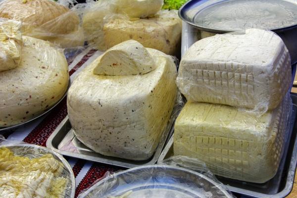 Уличная торговля сыром