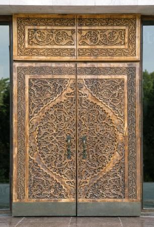 Традиционные резные деревянные двери, Узбекистан
