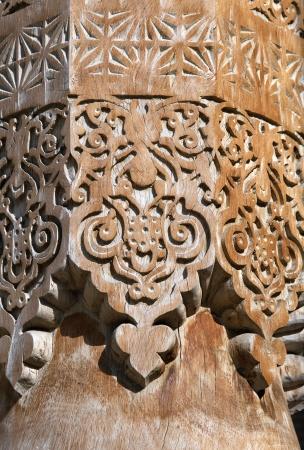 Резные деревянные колонки, Узбекистан