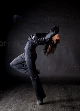 Современная танцовщица