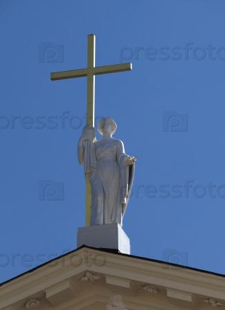 Статуя Святой Елены на соборе Святого Станислава и Святого Владислава в Вильнюсе