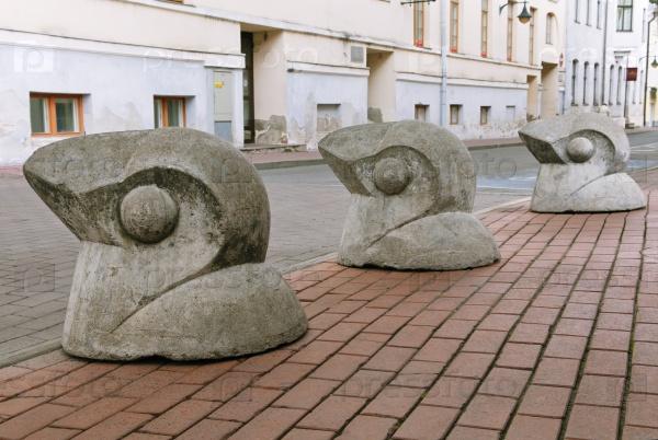 Дорожные ограничители в виде птиц, Тарту