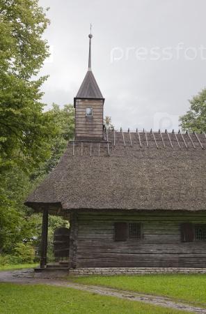 Старая деревянная часовня в музее под открытым небом Рокка-аль-Маре, Таллинн