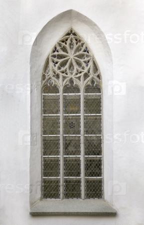 Окно готического собора