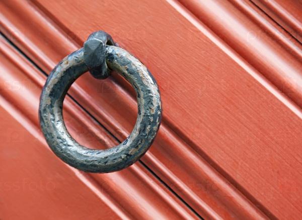Кольцевой дверной молоток