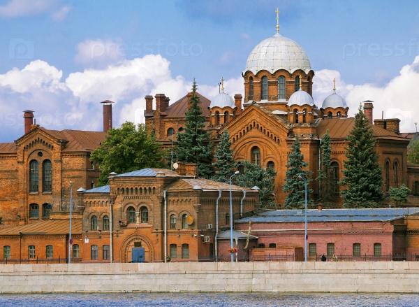 Кресты и церковь Александра Невского, Санкт-Петербург