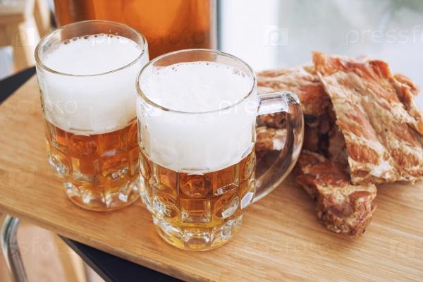 Копченые ребра и пиво