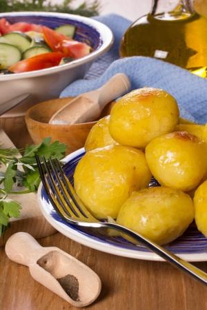 Картофель, салат, растительное масло